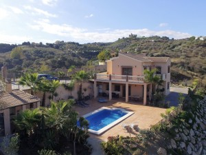 Villa For Sale in Alhaurin El Grande , Málaga